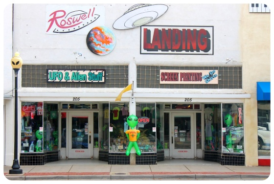 roswell-new-mexico-ufo-alien-stuff-store1
